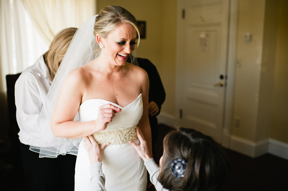 bride getting ready at tupper manor