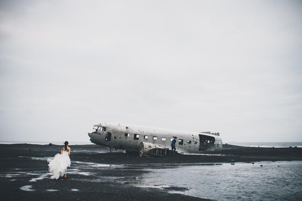 Iceland plane crash wedding photographer