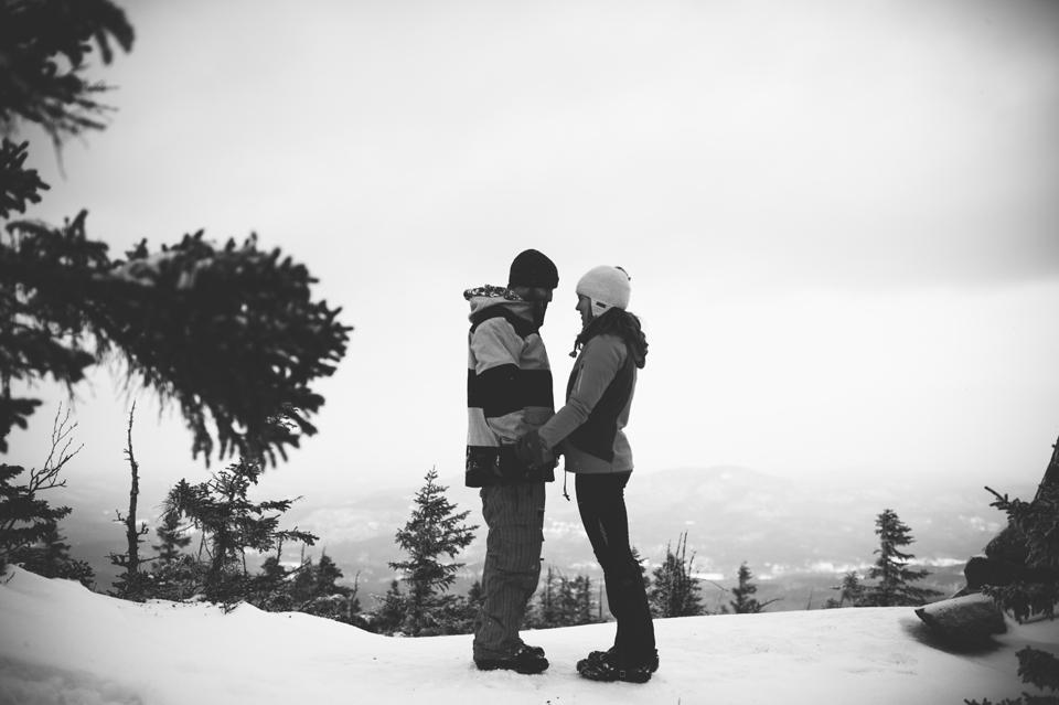mt kearsarge snowshoeing engagement session
