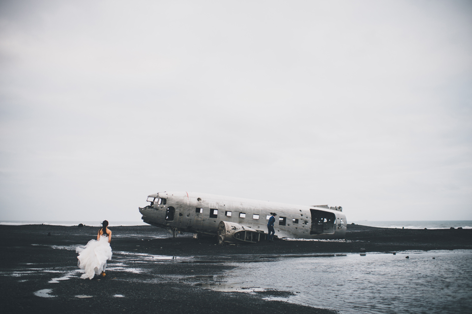 Crashed DC-3 Plane Iceland wedding photographer