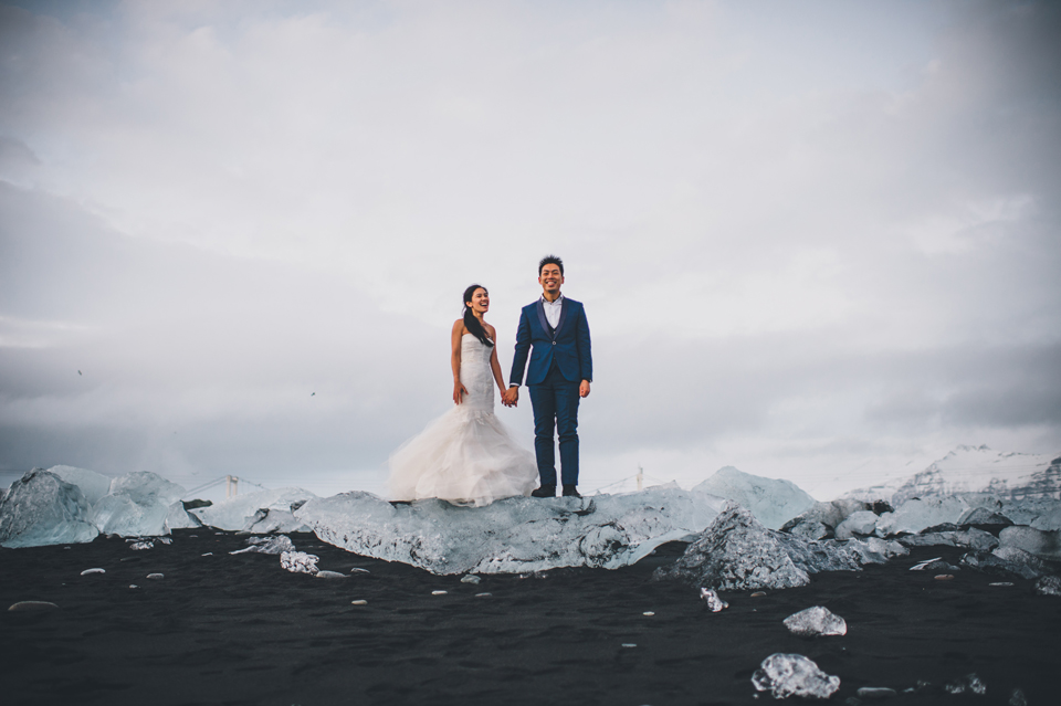 Jökulsárlón destination wedding photographer