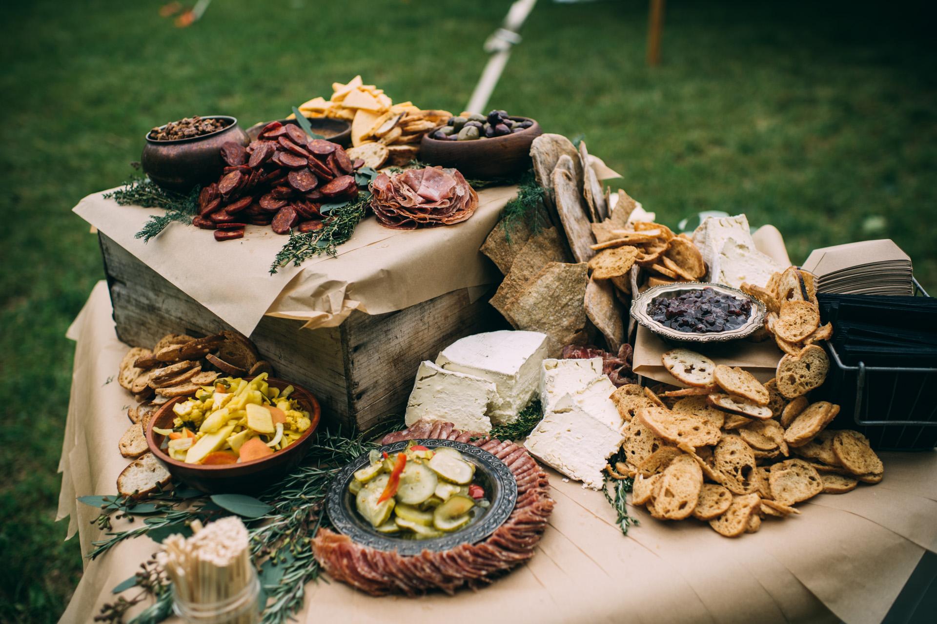 broadturn-farm-wedding-29