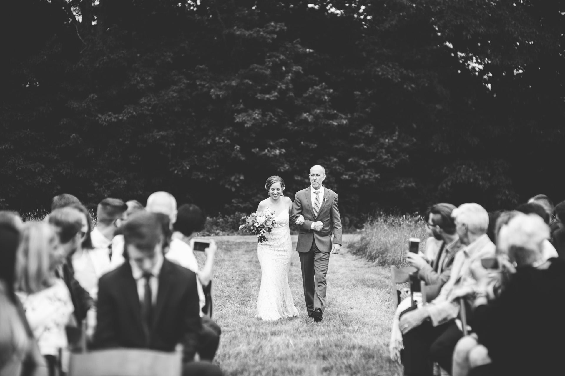 broadturn-farm-wedding-36