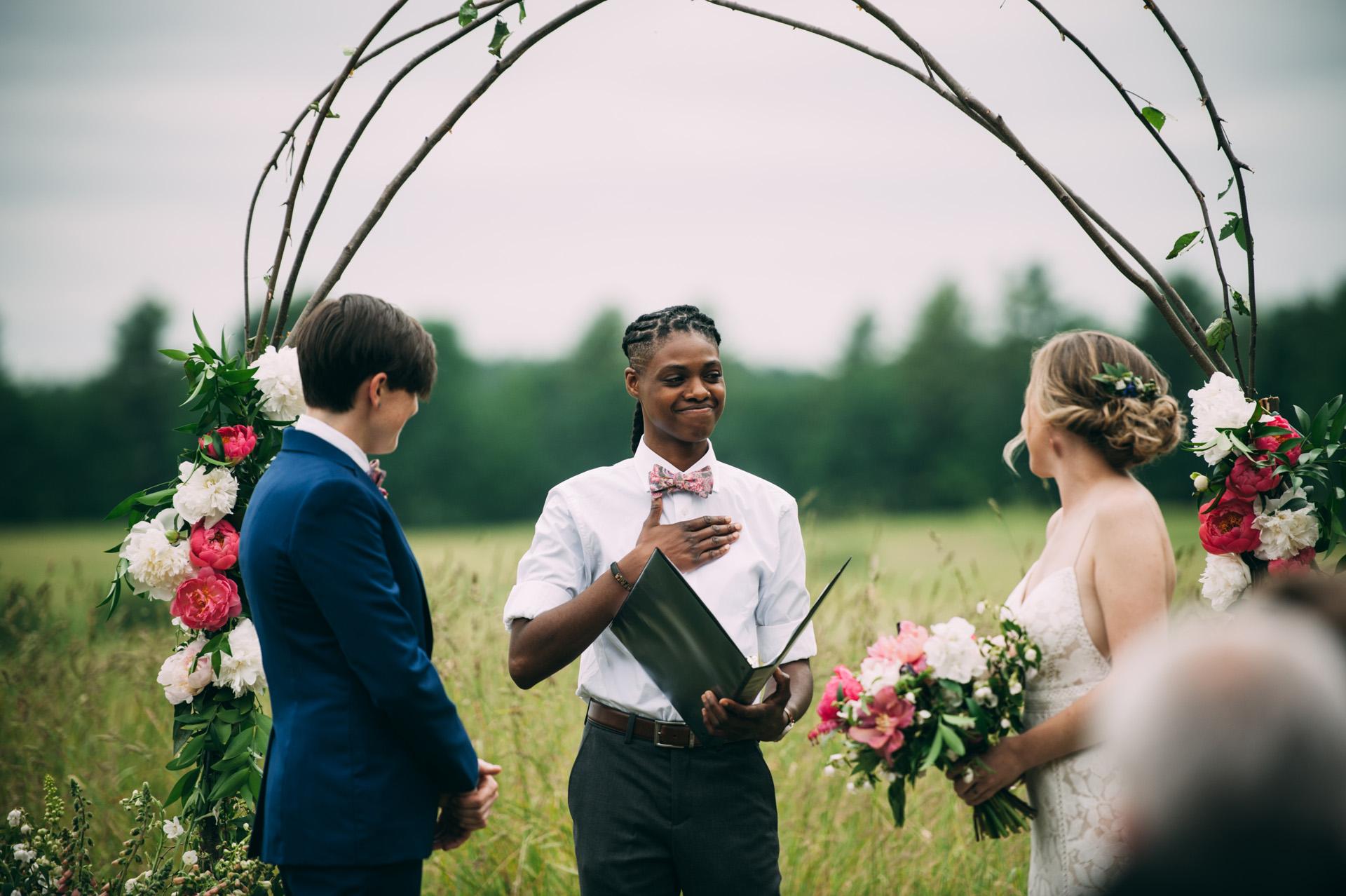 broadturn-farm-wedding-39