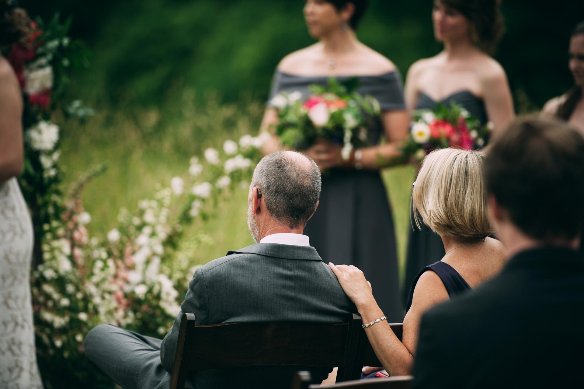 broadturn-farm-wedding-40