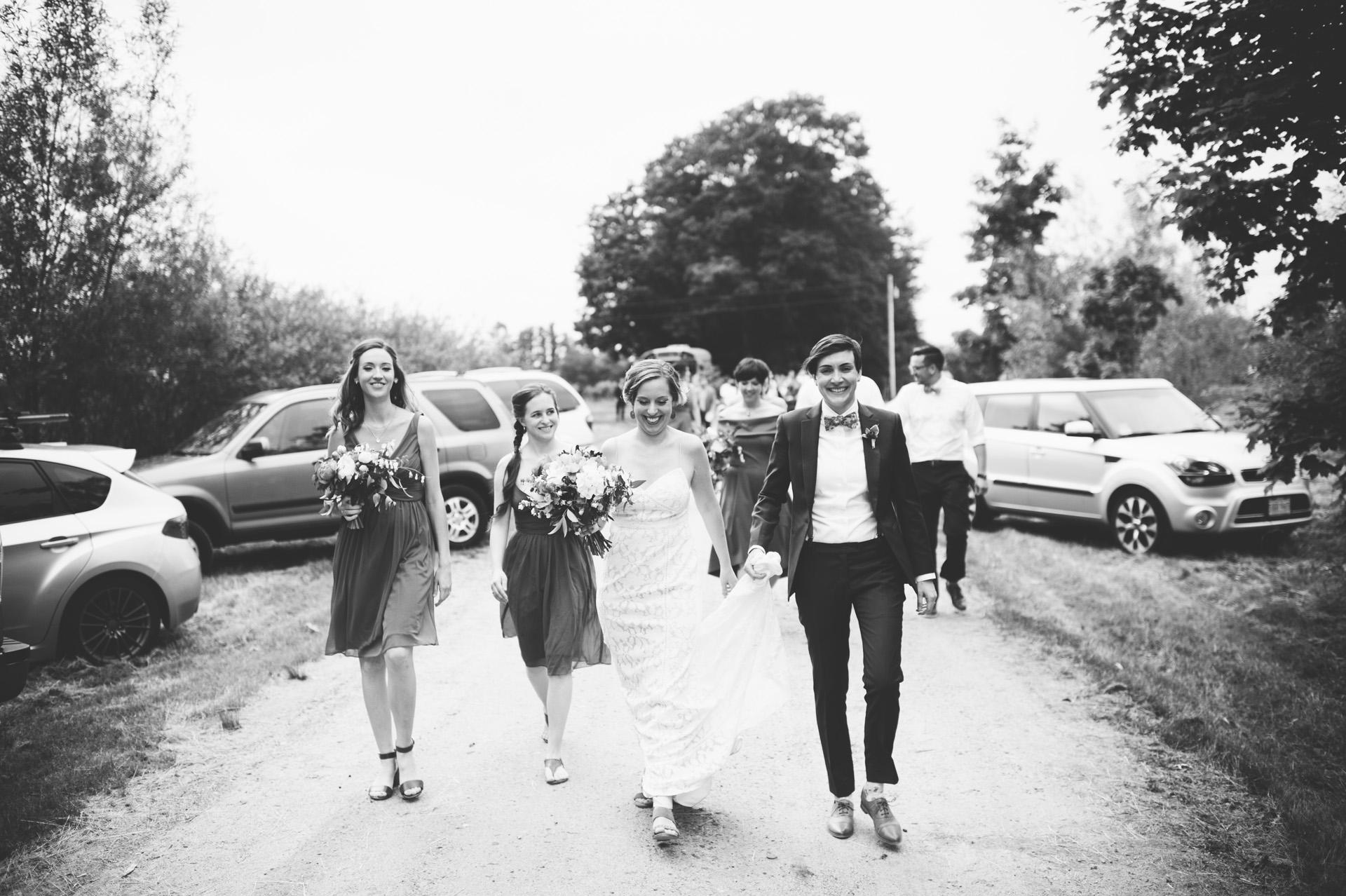 broadturn-farm-wedding-48