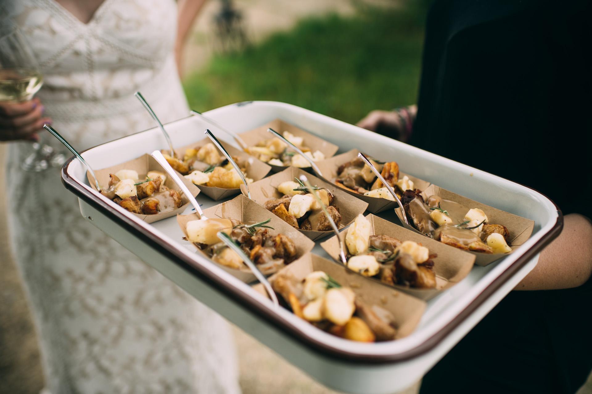 broadturn-farm-wedding-54