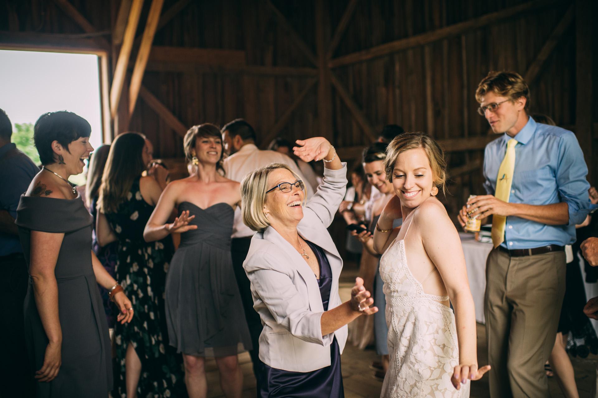 broadturn-farm-wedding-83