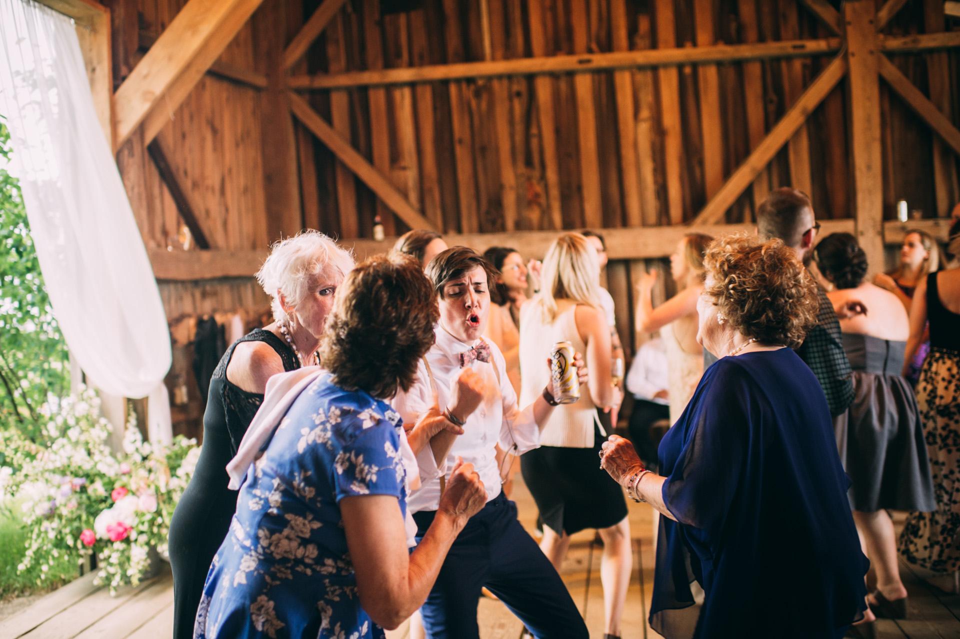 broadturn-farm-wedding-86