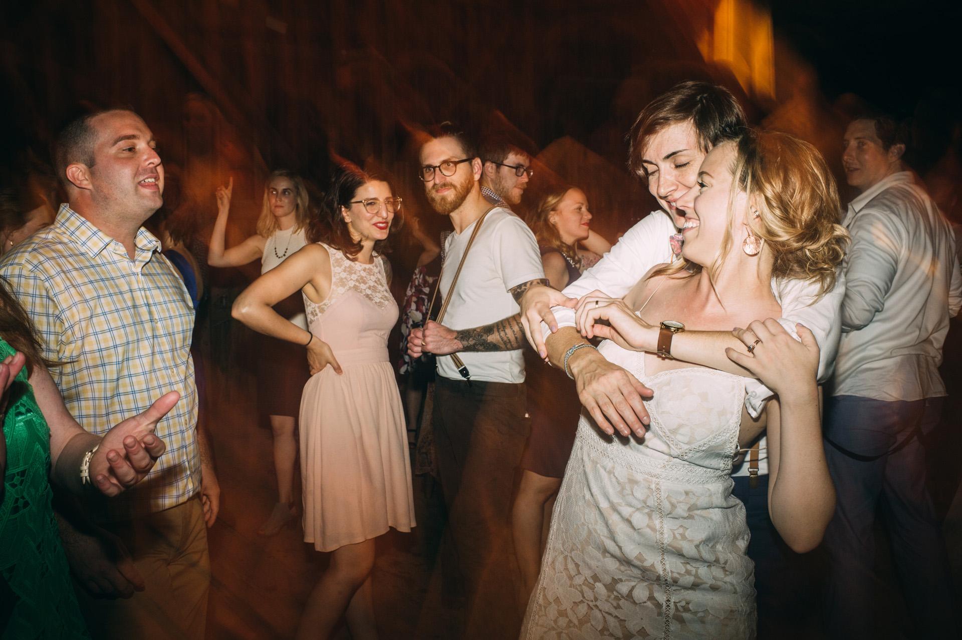 broadturn-farm-wedding-96