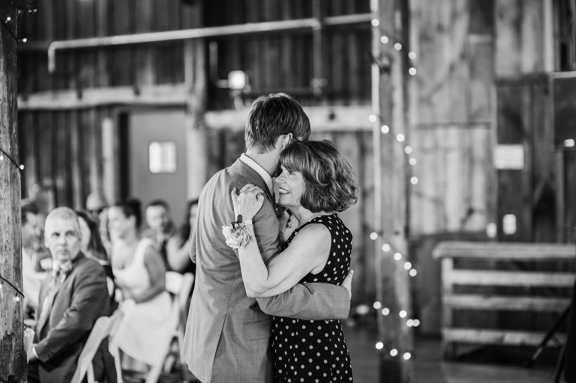 red-barn-hampshire-wedding-58