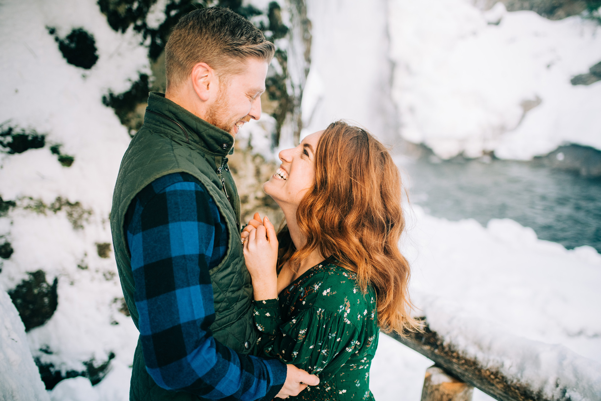 winter-white-mountains-new-hampshire-engagement-03