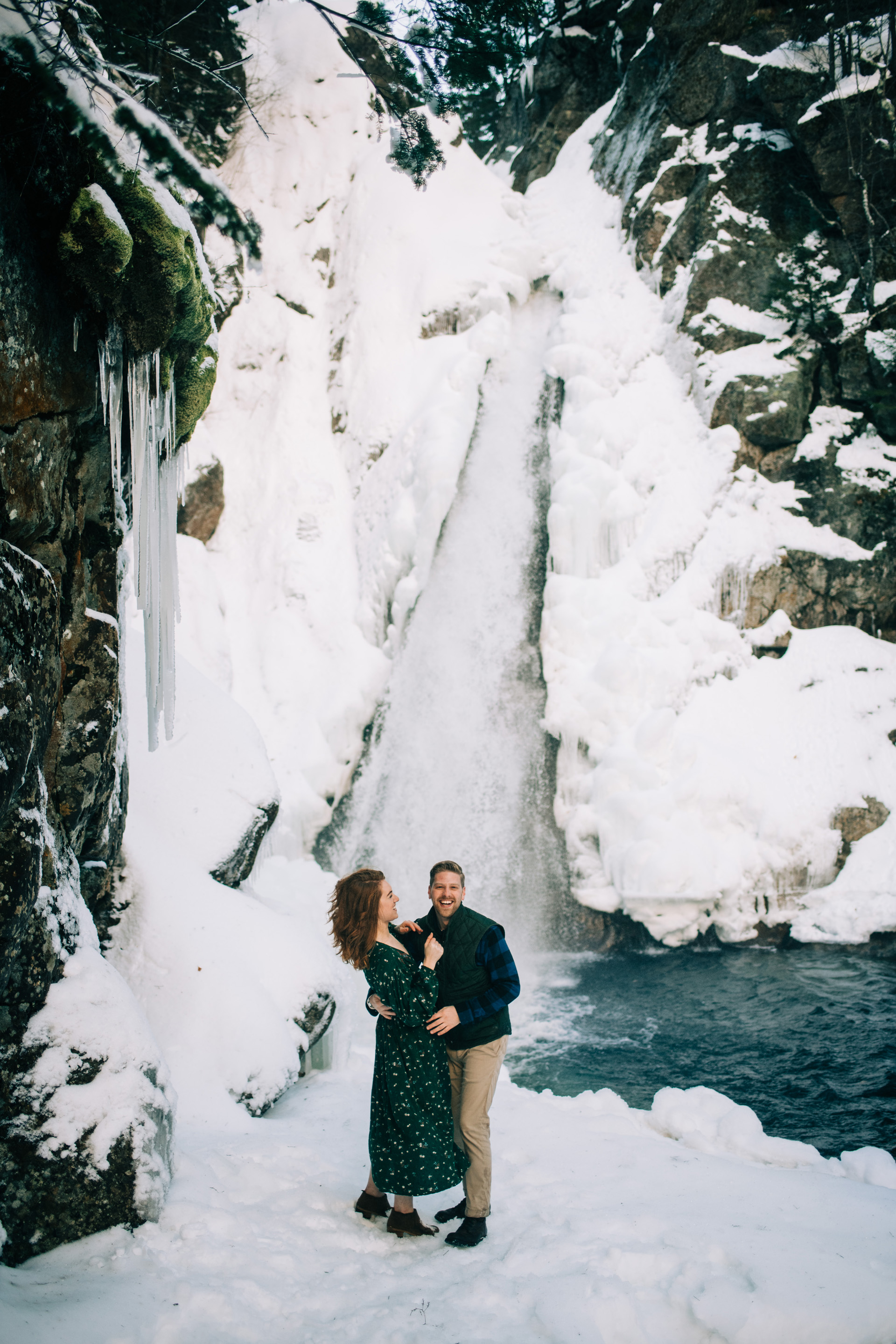 winter-white-mountains-new-hampshire-engagement-06
