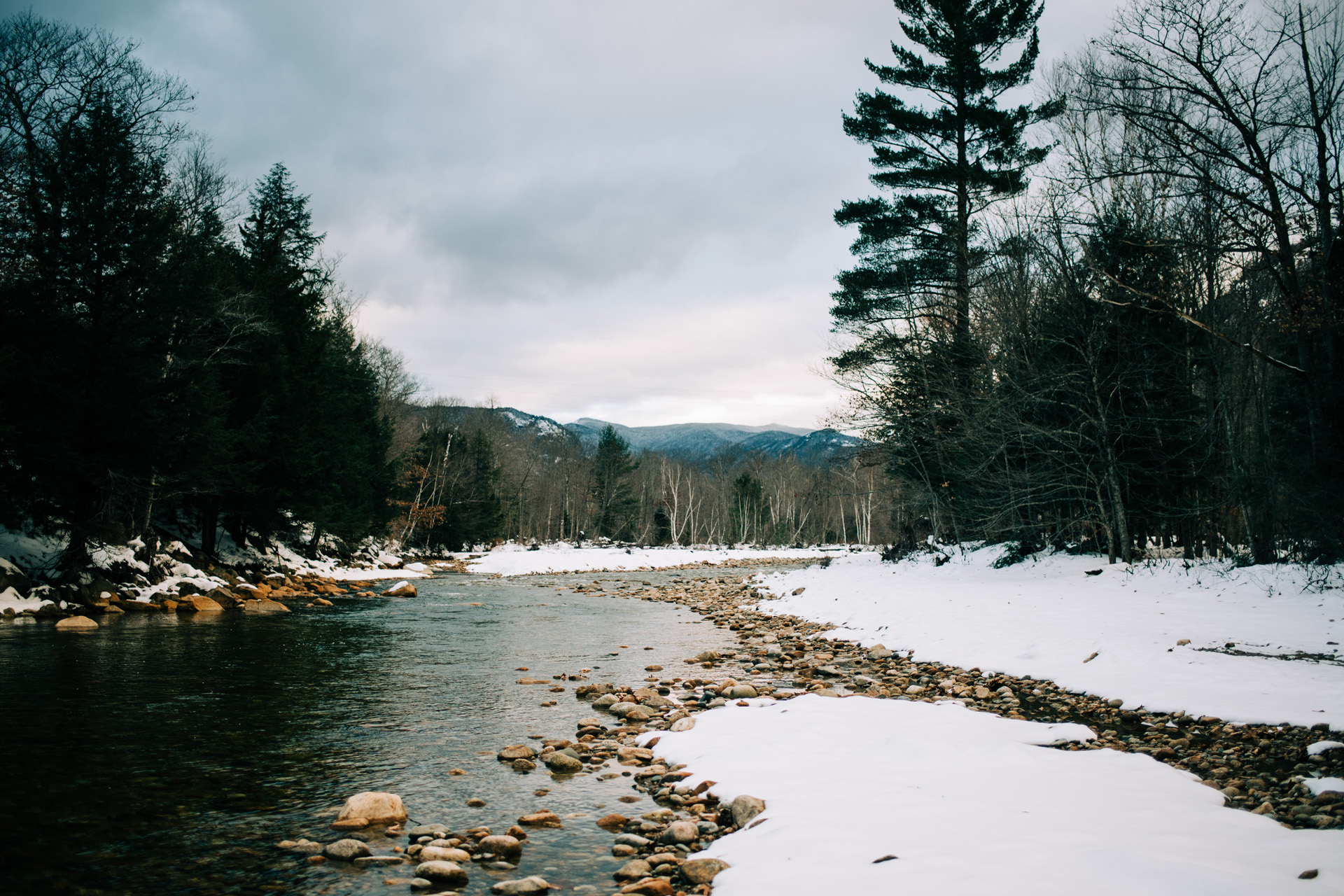 winter-white-mountains-new-hampshire-engagement-15