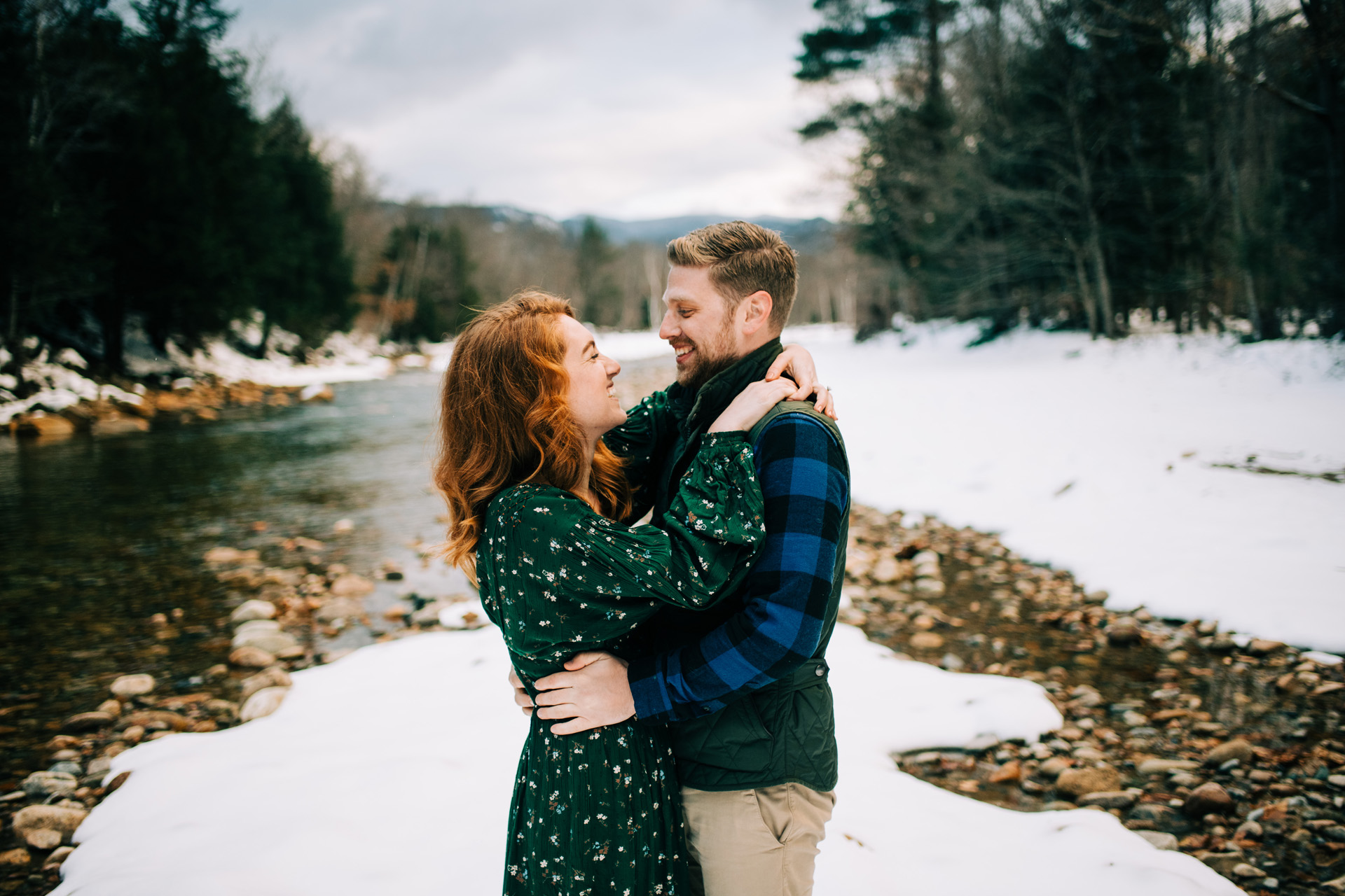 winter-white-mountains-new-hampshire-engagement-17